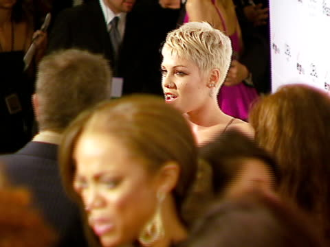 pink at the legendary clive davis pre-grammy party at beverly hills california. - 歌手 ピンク点の映像素材/bロール
