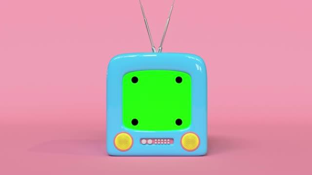 vídeos de stock, filmes e b-roll de rosa cena azul televisão em branco tela verde estilo cartoon 3d renderização - fundo rosa
