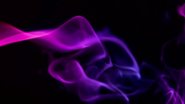 pink smoke, slow motion - 紫色 個影片檔及 b 捲影像