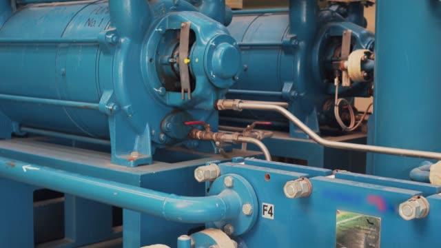 発電所のパイプと構造 - 空気弁点の映像素材/bロール