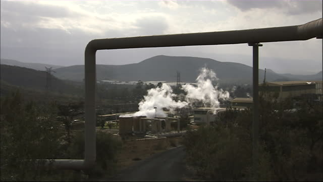 WS Pipeline and steam from geothermal power plant / Olkaria Geothermal Power Plant, Kenya
