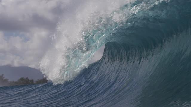 vídeos y material grabado en eventos de stock de pipeline waves 1-18 - ola