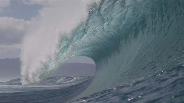 pipeline waves 1-18 - tsunami stock videos & royalty-free footage