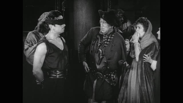 pirates force man (douglas fairbanks) to walk the plank - hinrichtung stock-videos und b-roll-filmmaterial