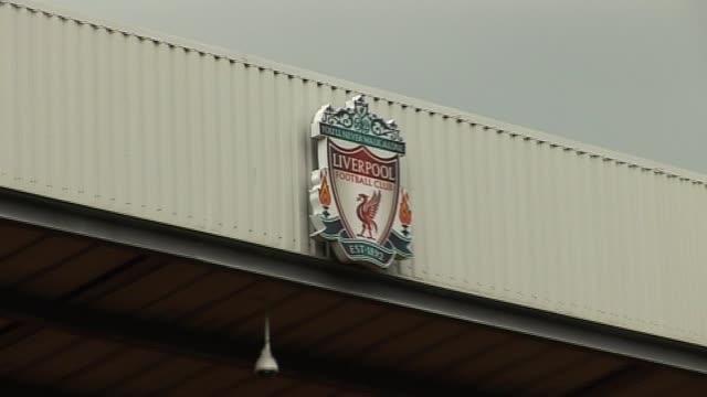 pitchside general views at anfield on september 20 2011 in liverpool england - generell överblick bildbanksvideor och videomaterial från bakom kulisserna