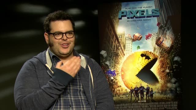 josh gad interview; gad interview sot - on video games / does jack nicholson and billy crystal impression / on frozen phenomenon - jack nicholson stock videos & royalty-free footage