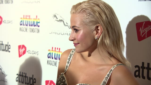 vidéos et rushes de pixie lott at the virgin holidays attitude awards powered by jaguar at the roundhouse on october 11, 2018 in london, england. - pixie lott