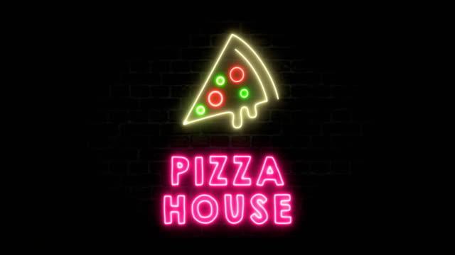 pizza house neon sign - segnale video stock e b–roll