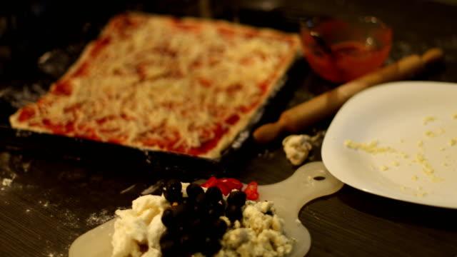 作りでピザ - オーブンの天板点の映像素材/bロール