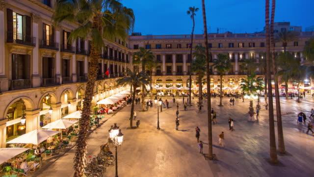 Placa Reial, Barrio Gotico District, La Rambla, Barcelona, Sapin - Time lapse