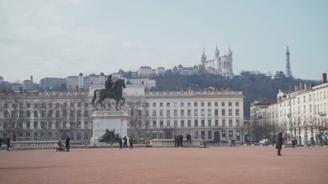 place bellecour square in the city centre of lyon, rhone-alpes, france, europe - horse family stock videos & royalty-free footage