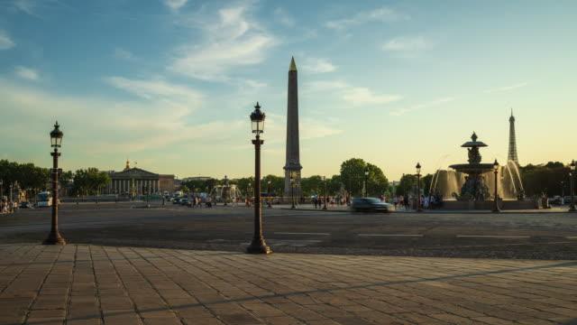 vidéos et rushes de place de la concorde et hôtel des invalides - 4k time lapse at dusk - place
