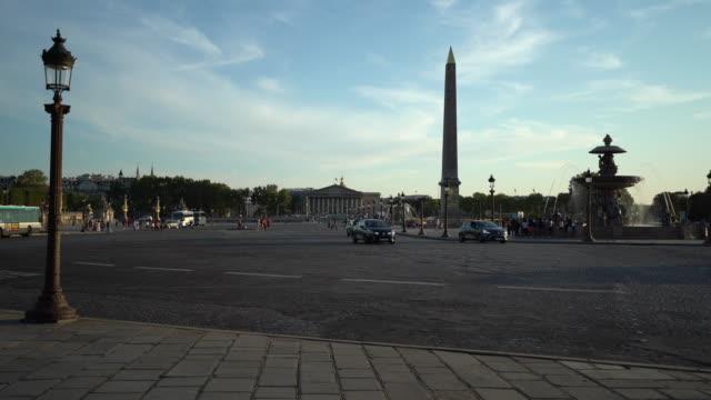 stockvideo's en b-roll-footage met place de la concorde en palais bourbon in parijs - rue royale