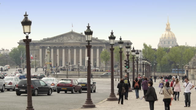 t/l ws place de la concorde towards national assembly / paris, france - french national assembly stock-videos und b-roll-filmmaterial