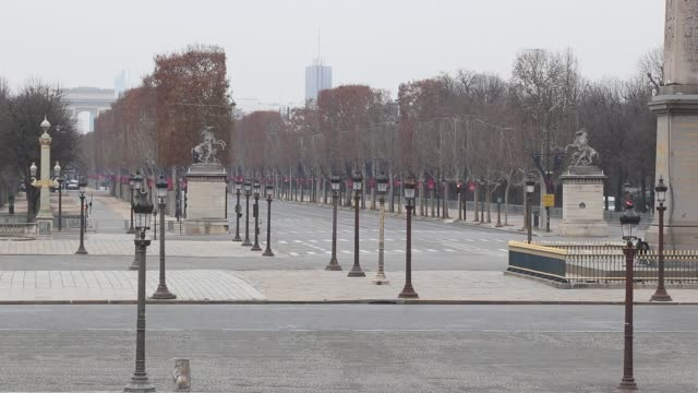 vidéos et rushes de place de la concorde.  without a car, without people - place