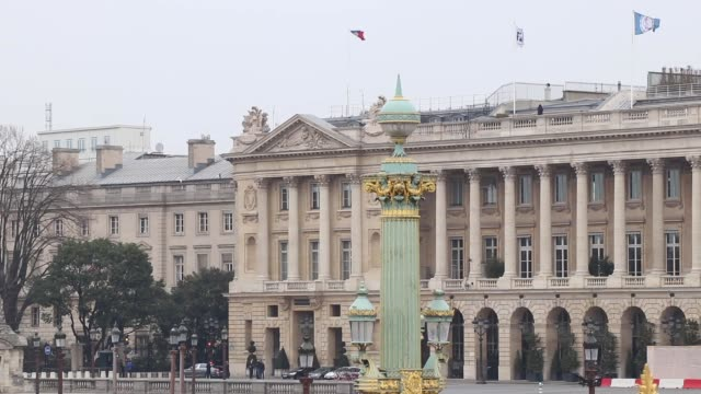 place de la concorde.  without a car, without people - パリ点の映像素材/bロール