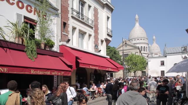 place du tertre, montmartre, paris, france, europe - western script stock videos & royalty-free footage