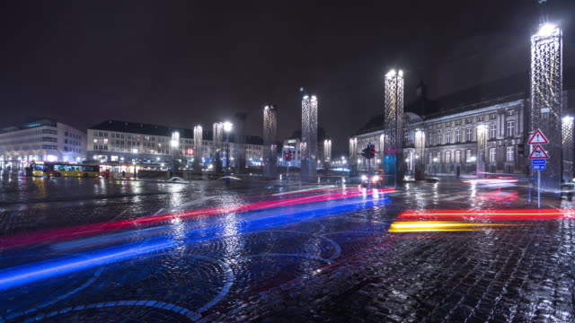 stockvideo's en b-roll-footage met place saint-lambert in liège, belgium - time lapse - stromend water