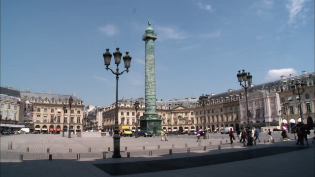 stockvideo's en b-roll-footage met ws, place vendome, paris, france - colonne vendome
