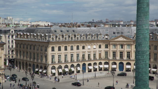 stockvideo's en b-roll-footage met place vendome rue de la paix - colonne vendome