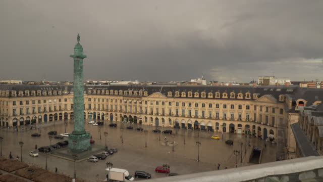 stockvideo's en b-roll-footage met place vendome - colonne vendome