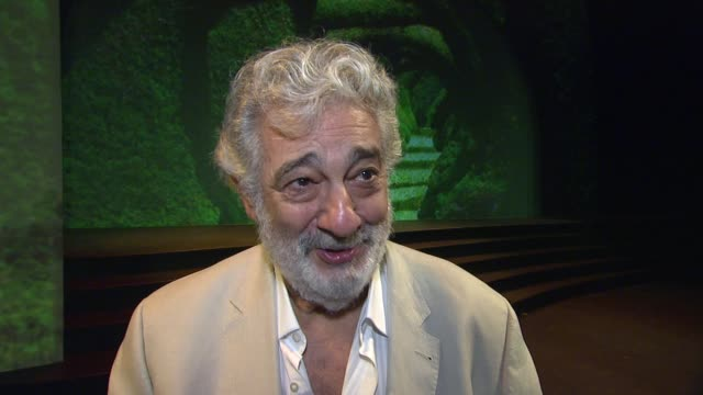 placido domingo on the projections at the broad stage and opera present world premiere of dulce rosa conducted by pl‡cido domingo on 5/16/13 in santa... - monica singer stock videos & royalty-free footage