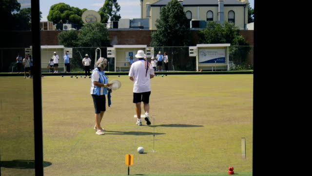Placing the Bowls