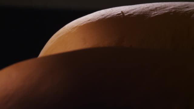 plain bread being baked and rising in the oven - brotsorte stock-videos und b-roll-filmmaterial
