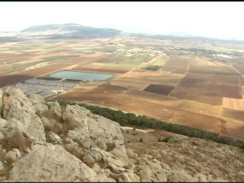 vídeos de stock, filmes e b-roll de planícies de megiddo em israel - israel