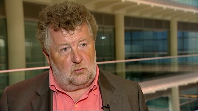 bbc plan strikes to coincide with conservative party conference london gir int steve hewlett interview sot saying bbc staff were unhappy with... - ギールフォーレスト国立公園点の映像素材/bロール