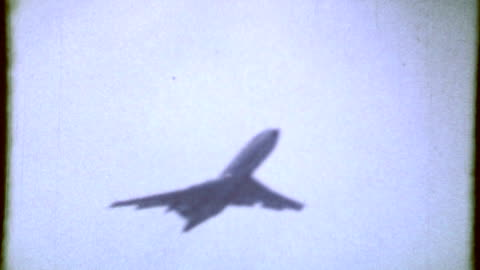 hd: plane climb in 8mm film - 8mm film projector stock videos & royalty-free footage