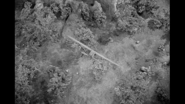 1939 - Plane crashes
