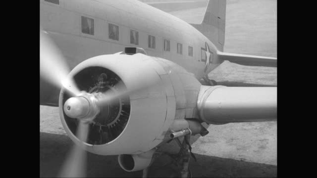 ms plane ready to fly with spinning propeller / united states - propeller stock videos & royalty-free footage