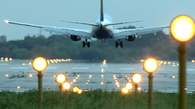 plane - landing touching down stock videos & royalty-free footage