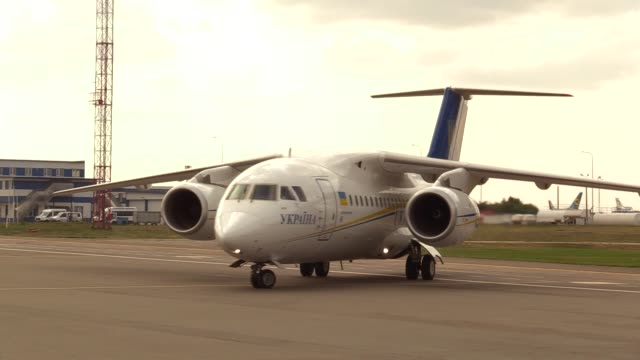 a plane with ukrainians who was jailed in russia is seen upon their arrival during a welcoming ceremony after russiaukraine prisoners swap at the... - political prisoner stock videos & royalty-free footage
