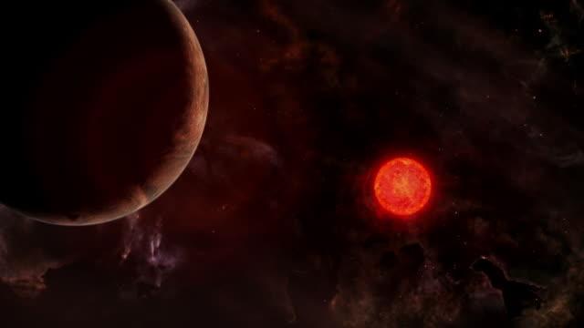 vídeos de stock e filmes b-roll de gfx planet close to a red dwarf star - distante