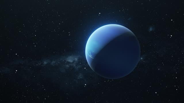 planet neptun dreht sich im tiefen raum - reporterstil stock-videos und b-roll-filmmaterial