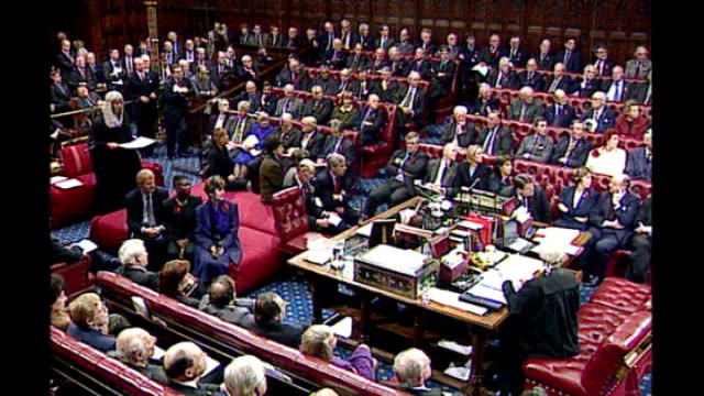 plans for peers to be expelled from house of lords if they break the law t11119914 int gvs lords in chamber on last day for hereditary peers before... - schlußtag stock-videos und b-roll-filmmaterial