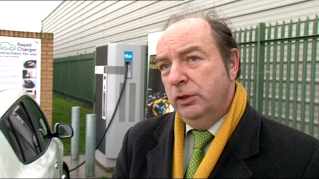 plans for thames estuary airport location unknown norman baker mp interview sot not going to support third runway at heathrow airport or new airport... - キャシー・ニューマン点の映像素材/bロール
