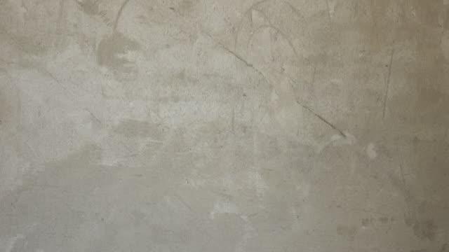 Tirita para cemento de mortero pared en el sitio de construcción