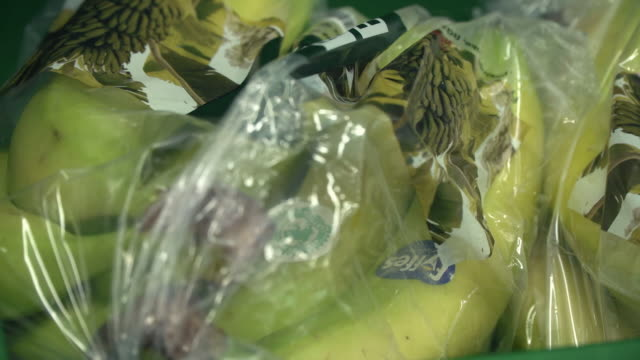 plastic packaging and recycling facilities in a supermarket - wrapped stock videos & royalty-free footage