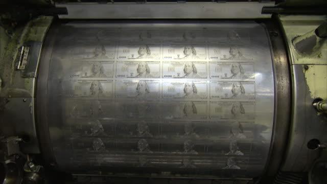 vidéos et rushes de ms plates of one hundred dollar bill / washington d.c., washington d.c., united states - hôtel de la monnaie