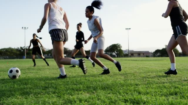 vidéos et rushes de jouer ensemble, gagner ensemble - équipe sportive