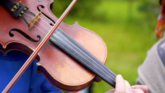 play violin - violin stock videos & royalty-free footage