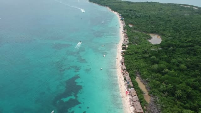 playa blanca in cartagena - colombia video stock e b–roll