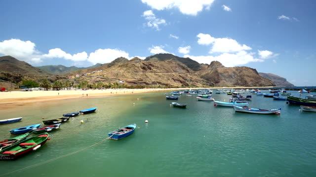 Praia das Teresitas em Tenerife ships
