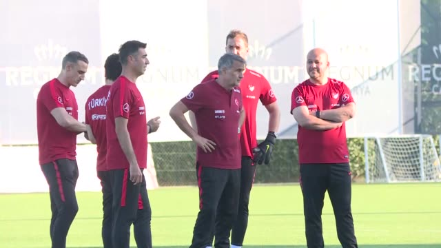 vídeos y material grabado en eventos de stock de players of turkey national football team attend a training session at belek tourism center prior to uefa euro 2020 qualifications group h matches... - senol guenes