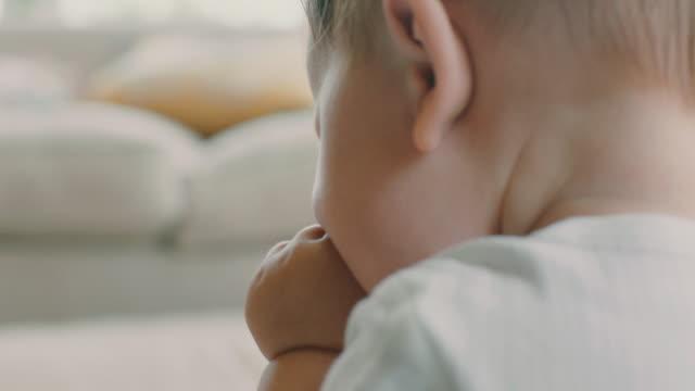 vídeos y material grabado en eventos de stock de playful baby - sólo bebés