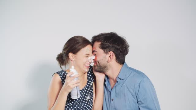 Lekfullt par