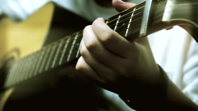 vidéos et rushes de jouer de la guitare - guitare électrique